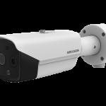 Kamera termowizyjna Hikvision do pomiaru temperatury ludzkiego ciała.
